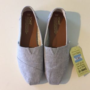 TOMS *Brand New* Woman's Classic - Size: 8